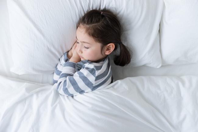 摄图网_501309986_banner_外国儿童睡觉(企业商用) (1)